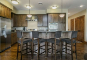 Truckee Real Estate | 10199 Annies Loop |Breakfast bar