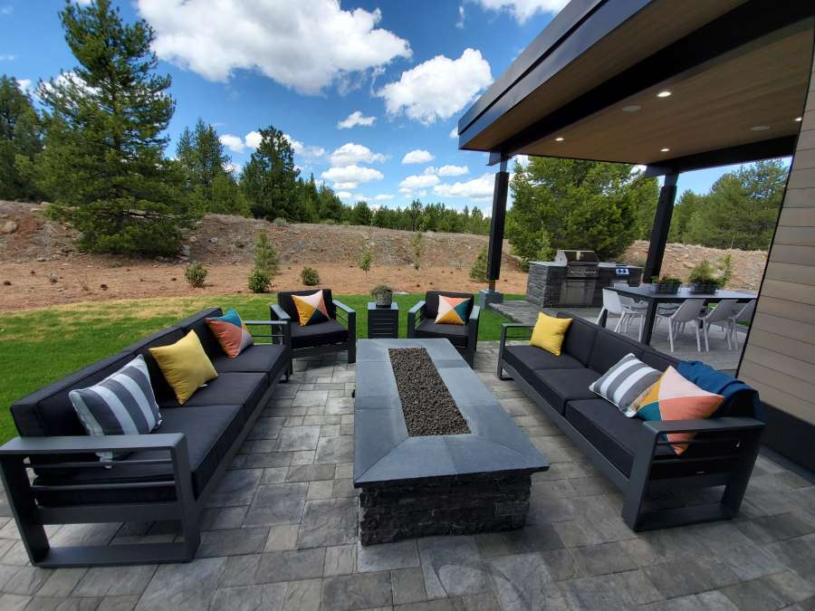 Gray's Crossing Patio with Fire Pit