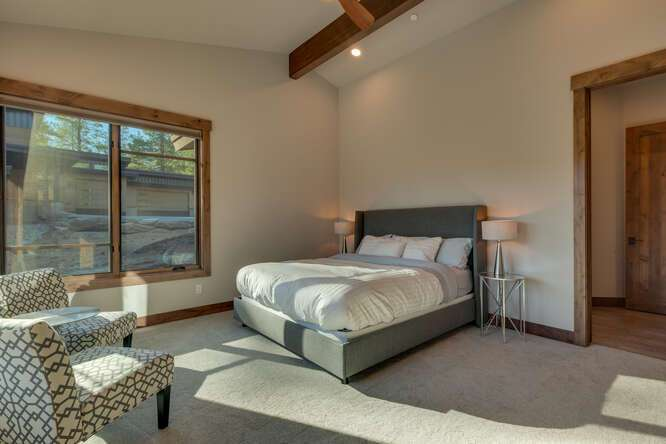 Master Bedroom | Gray's Crossing Golf Course Home