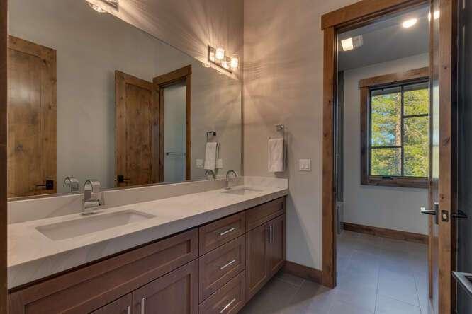 Guest Bathroom | 11251 Ghirard Ct.