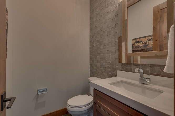 Half bathroom | Gray's Crossing Golf Course Home