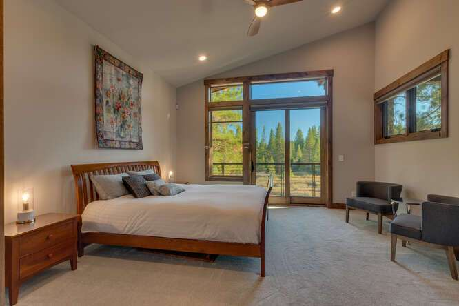Guest Bedroom | Gray's Crossing Golf Course Home