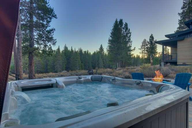 Relaxing hot tub | 11251 Ghirard Rd.