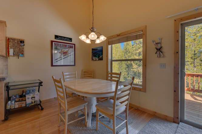 Tahoe Donner Condo |11375 Northwoods Blvd #4 | Dining Area