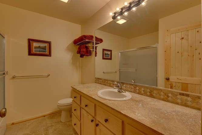 Tahoe Donner Condo |11375 Northwoods Blvd #4 | Bathroom