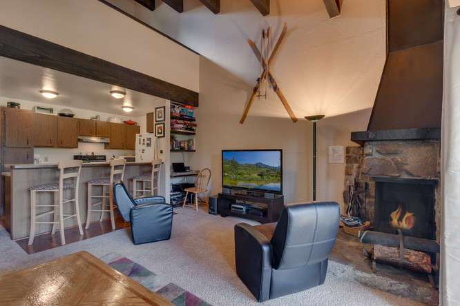 Lake Tahoe Condo for Sale | 1001-Commonwealth-Dr-143 | Living Room
