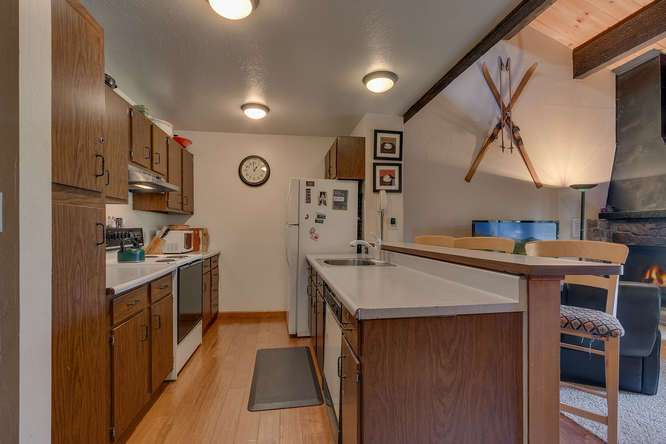 North Lake Tahoe Condo for Sale | 1001-Commonwealth-Dr-143 | Kitchen