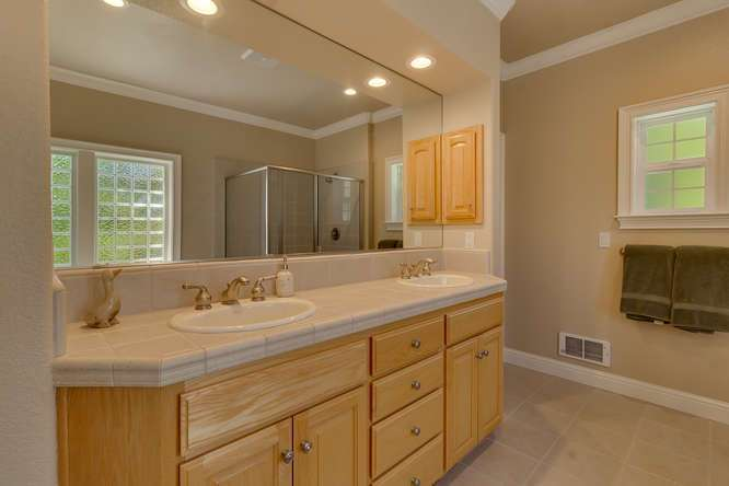 Kings Beach real estate | Master bathroom