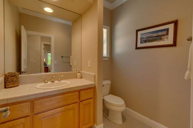 Kings Beach Lake Tahoe Real Estate | Bathroom