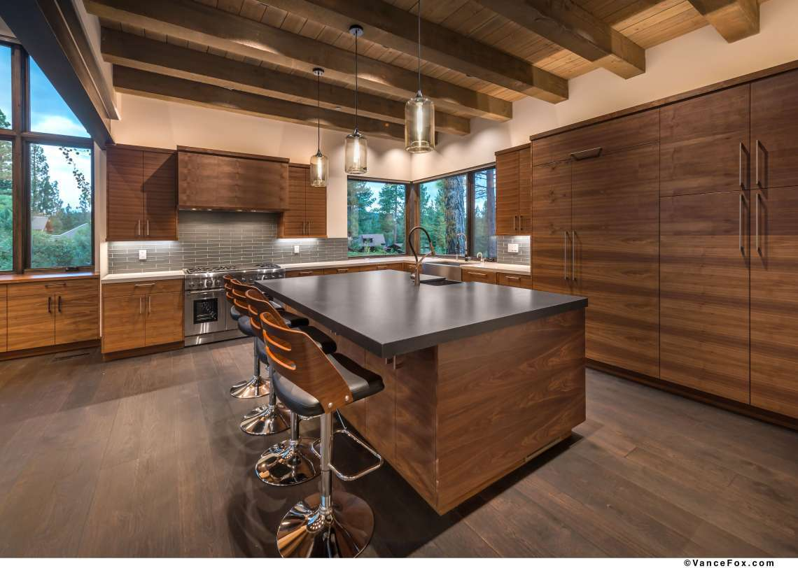 Luxury Lahontan Homes - Custom Kitchen