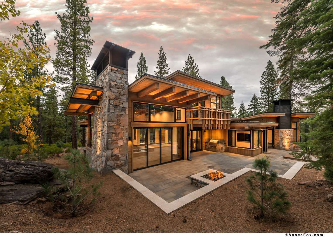 Custom Luxury Home - Lahontan Real Estate