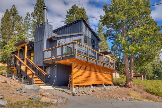 Lake Tahoe Home for Sale | 3185 Meadowbrook Drive |  Front Exterior