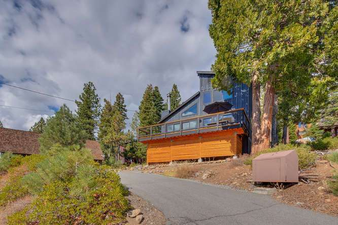 Lake Tahoe Luxury Home for sale | 3185 Meadowbrook Drive | Front Exterior