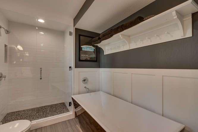 Tahoe Luxury Real Estate | 3185 Meadowbrook Drive | Master Bath