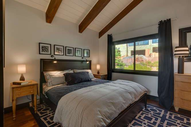Lake Tahoe Real Estate | 3185 Meadowbrook Drive | Guest Bedroom