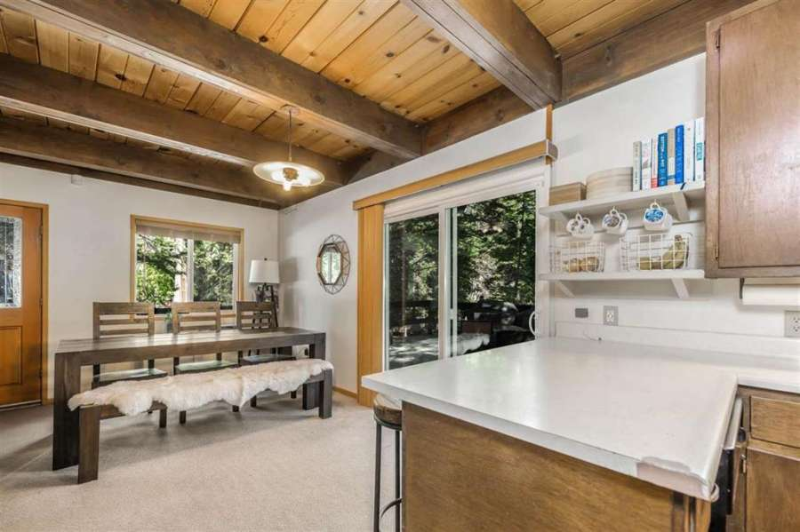 567 Tallac St.   Kitchen and dining area