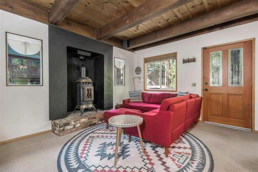 Carnelian Bay Chalet   charming living room