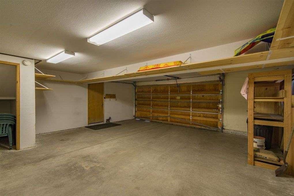 Real Estate in Truckee | Garage