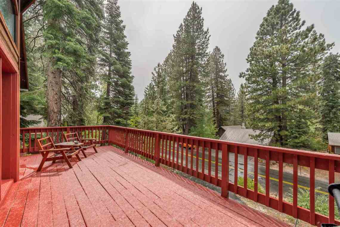 Real Estate in Truckee | Front Deck