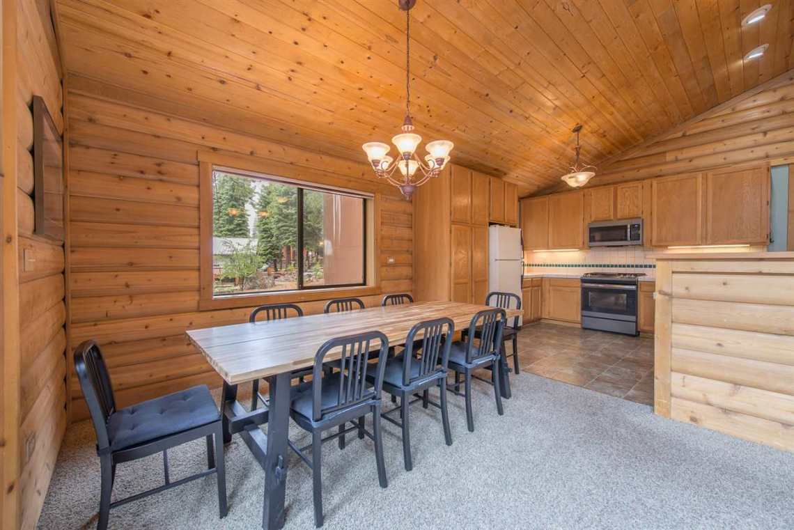 Real Estate in Truckee | Dining Area