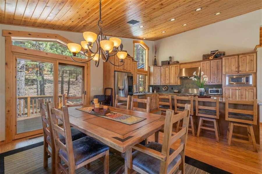 Open concept dining area | Tahoe Donner Getaway