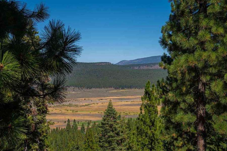 Amazing Martis Valley Views| 6102 Rocky Point Circle