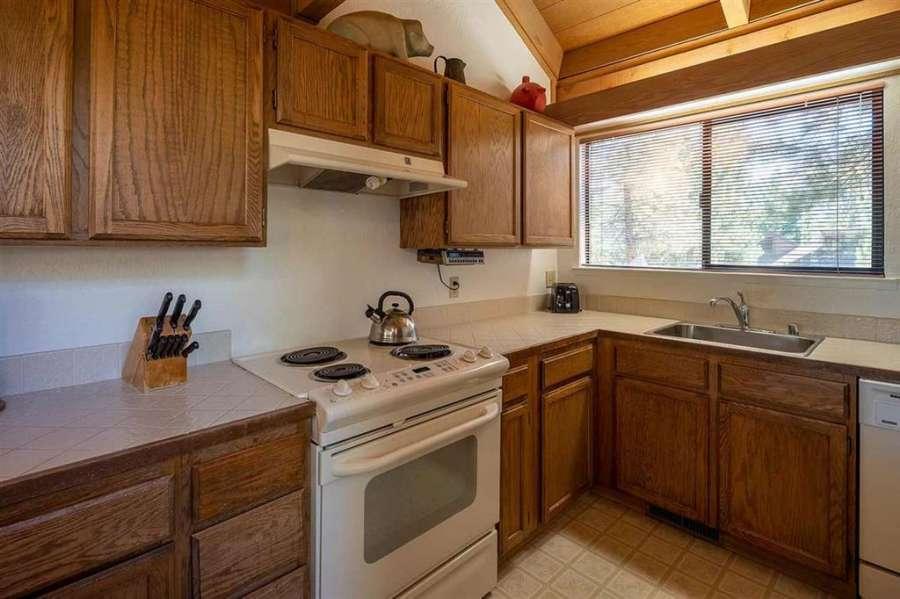Kitchen | 6102 Rocky Point Circle