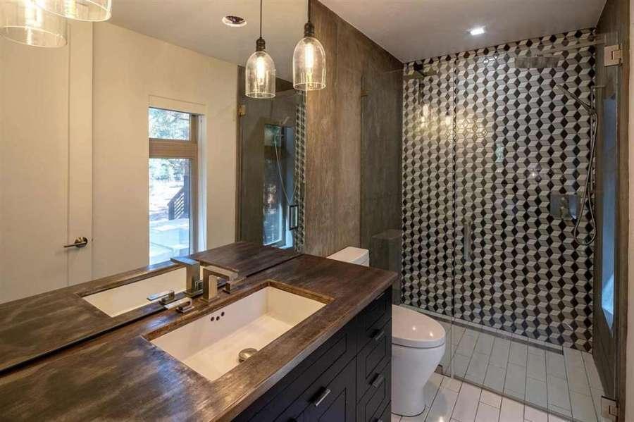 Gorgeous bathroom   11940 Pine Forest Rd.
