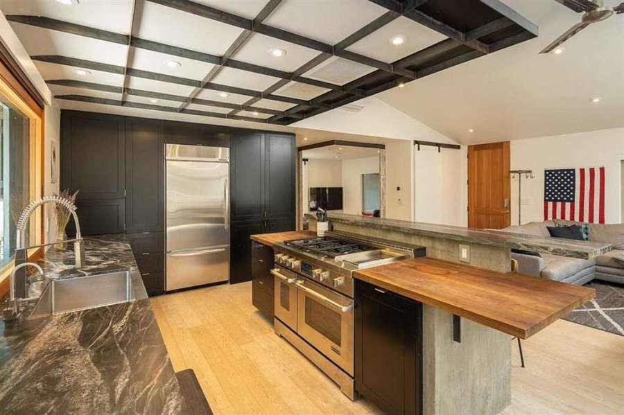 Gorgeous Kitchen   Prosser Lakeview Estates home