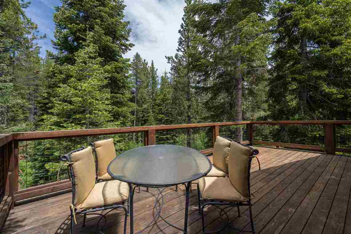 Truckee Real Estate  |  13988 Swiss Lane Truckee, CA | Deck
