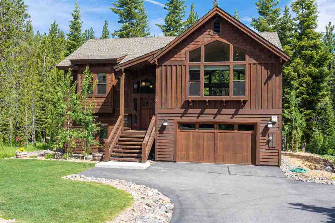 Tahoe Donner Home |  13988 Swiss Lane Truckee, CA | Front Exterior