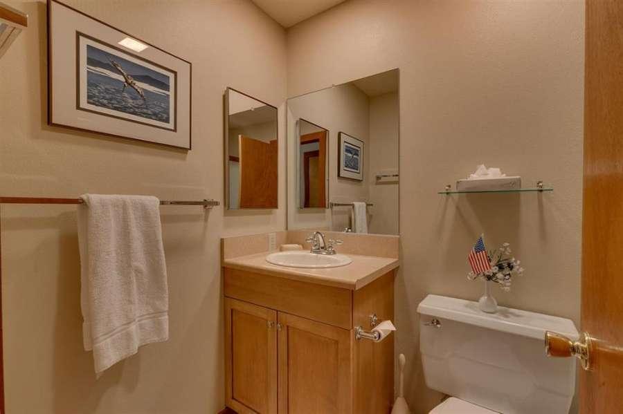 Guest Bathroom | Tahoe City Lakefront Condo
