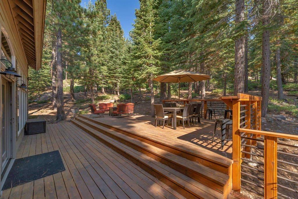 Spacious deck   Tahoe Donner Luxury Property