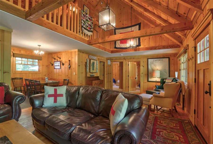 Great Room with Vaulted Ceilings | Tahoe Park Cabin