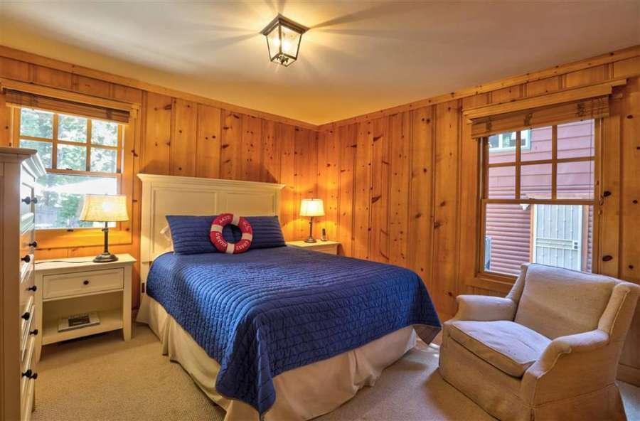 Relaxing bedroom | Tahoe Park Cabin