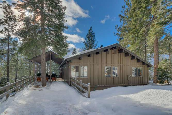 Squaw Valley Luxury Real Estate | 1735-Paiute-Pl | Front Exterior