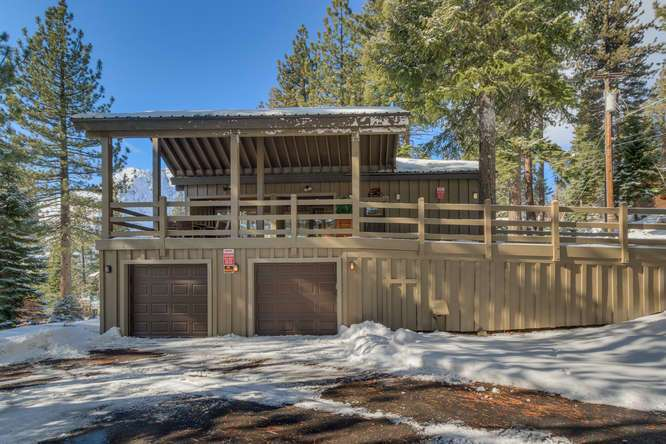Squaw Valley Luxury Real Estate | 1735-Paiute-Pl | Side Exterior