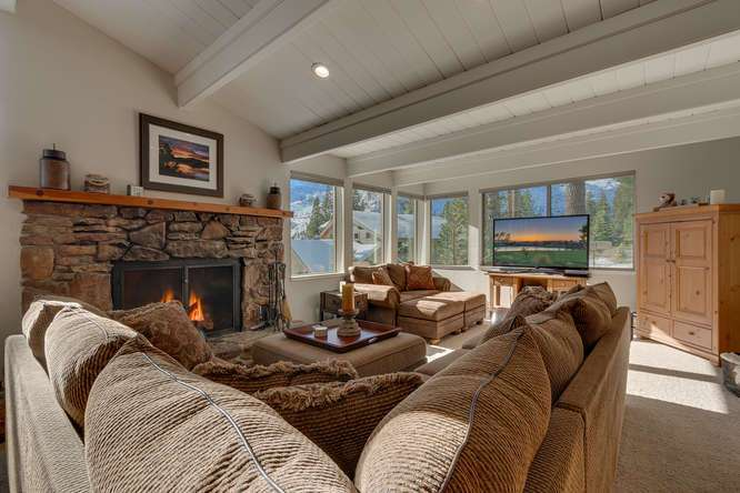 Squaw Valley House for Sale | 1735-Paiute-Pl | Living-Room