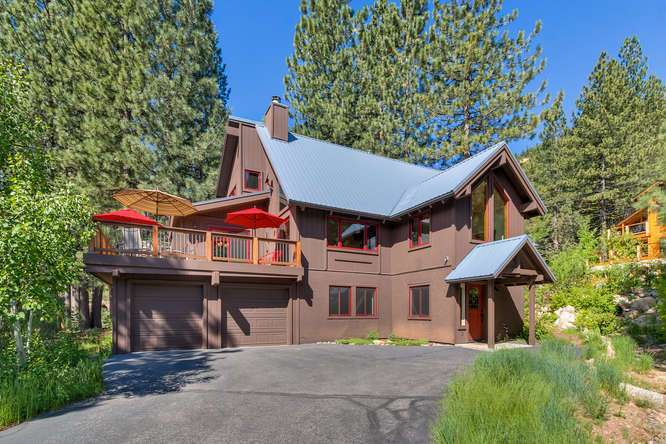 Gorgeous Squaw Valley Home | 1083 Lanny Ln Olympic Valley | Front Entry Detail