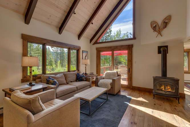 Squaw Valley Home for Sale | 1083 Lanny Ln Olympic Valley | Living Room