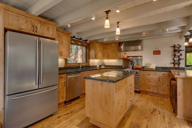 Lake Tahoe Real Estate | 1083 Lanny Ln Olympic Valley | Kitchen
