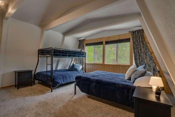1575-W-Lake-Blvd-Tahoe-City-CA-small-013-017-Bedroom-666x444-72dpi.jpg-nggid044047-ngg0dyn-666x444x60-00f0w010c010r110f110r010t010