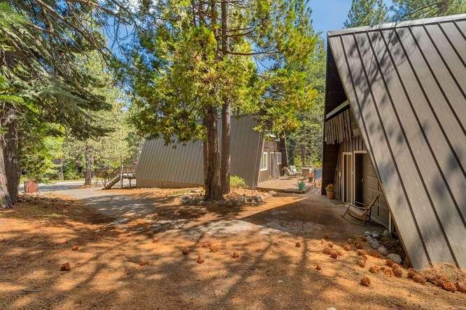 1575-W-Lake-Blvd-Tahoe-City-CA-small-025-025-Exterior-666x444-72dpi.jpg-nggid044059-ngg0dyn-666x444x60-00f0w010c010r110f110r010t010