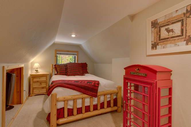 Cabin for Sale Lake Tahoe | 1640-Cedar Crest Ave | Bedroom
