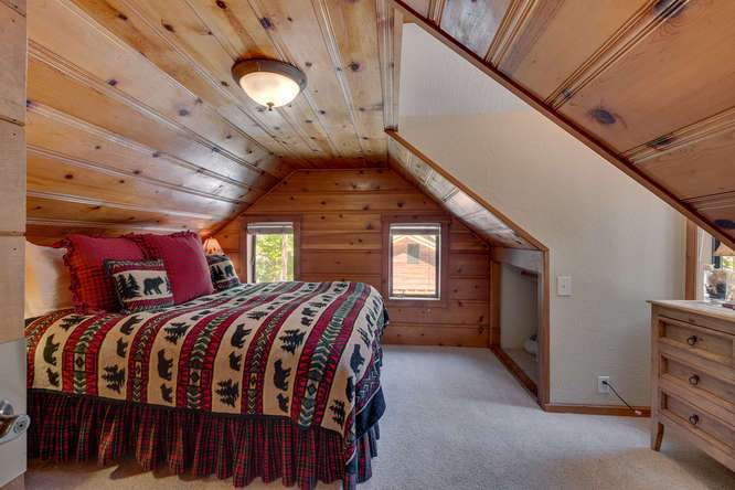 Tahoe City Cabin | 1640-Cedar Crest Ave | Bedroom
