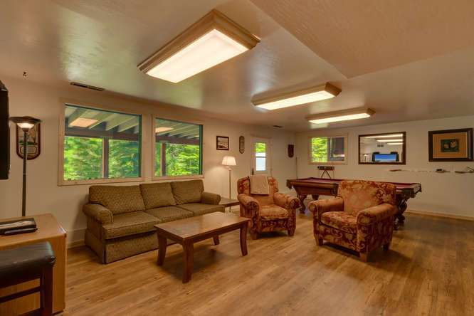 Tahoe City Real Estate| 640 Rawhide Dr Tahoe City CA | Family Room