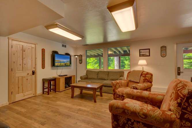 Lake Tahoe Real Estate| 640 Rawhide Dr Tahoe City CA | Family Room