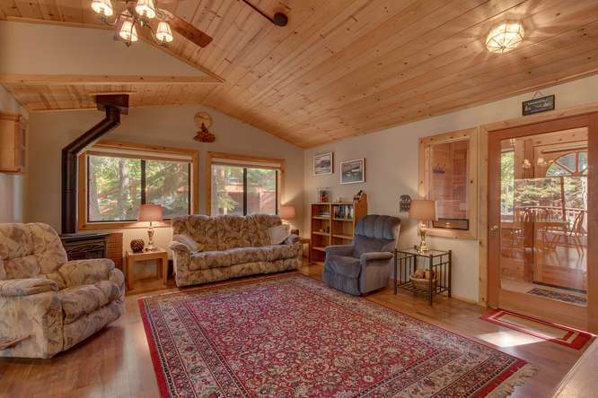 Truckee Real Estate | Open Living Room
