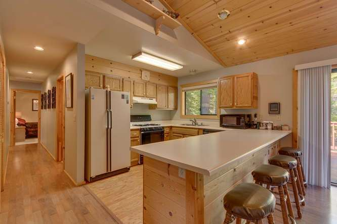 Tahoe Donner Cabin for Sale | Kitchen