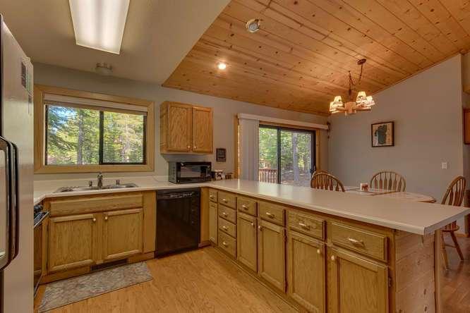 Tahoe Donner Real Estate | Kitchen